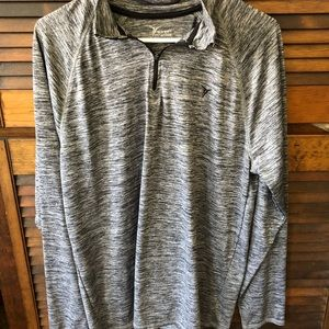 Old Navy Active 1/4 Zipped Shirt Size Large
